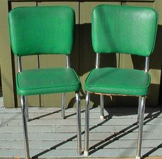 Super Cute Vintage Mid Century Green and Blue Vinyl Chairs Set of 2 door TheVintageFarmers op Etsy https://www.etsy.com/nl/listing/117286846/super-cute-vintage-mid-century-green-and