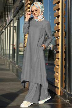 Muslim Fashion, Modest Fashion, Fashion Outfits, Stylish Dresses For Girls, Stylish Outfits, Morocco Fashion, Mode Abaya, Hijab Fashion Inspiration, Islamic Clothing