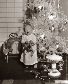 vintage everyday: Black & White Photographs of Christmas From Between 1930s-1960s