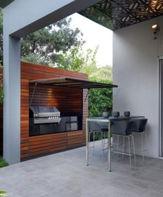 Love the built in BBQ & the cover is also a shelter