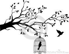 Silueta del árbol con el vuelo del pájaro