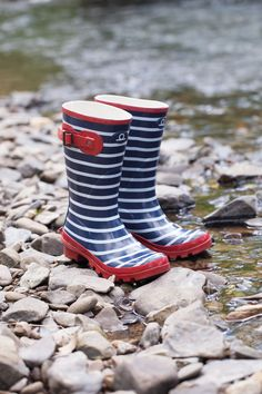 The little sister to Tamar, Exe welly's are 100% waterproof, making dancing in the rain more trendy than ever!
