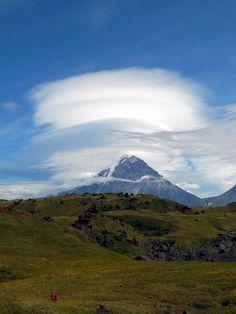 The Kamchatka Peninsula. Volcano Kamen (Stone). 4585 m.