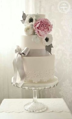 Start your own Wedding Cake Business! http://cakestyle.tv/products/wedding-cake-busines-serie/?ap_id=weddingcake - Peonies & Poppies #WeddingCake