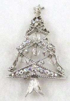 Gem Craft Aurora Rhinestone Christmas Tree Brooch Z Jeweled Christmas Trees, Silver Christmas Tree, Vintage Christmas, Christmas Nativity, Xmas Tree, Christmas Crafts, Jewelry Tree, Gems Jewelry, Jewelery