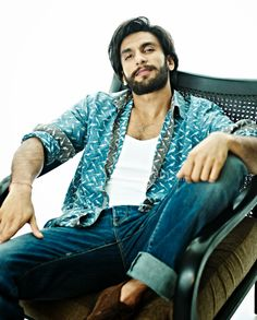 20 Photographs That Show Why Ranveer Singh Is Bollywood's Ultimate 'Gunda' Deepika Ranveer, Ranveer Singh, Shahrukh Khan, Deepika Padukone, Bollywood Wallpaper, Jagjit Singh, Sr K, Boy Photography Poses, Indian Man