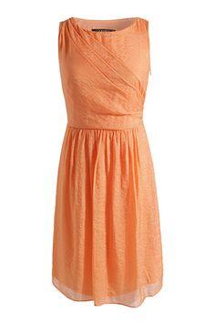 Kleid aus Glanzgewebe