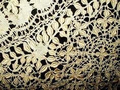 Antique 19th Century Victorian Handmade Silk Maltese Bobbin Lace Collar - The Gatherings Antique Vintage