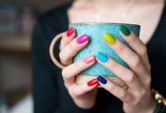 Cómo fotografiar comida Dimex ofrecen algunos consejos para principiante como hacer comida fotografía por este blog. Como una fotografía de 'vida' de una placa sobre una mesa con sus cubiertos, vasos y un potente hace luz natural el espectador se identifica mucho más en la fotografía que si hacíamos la foto de estudio.
