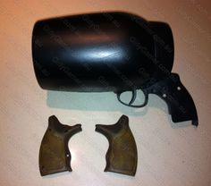 How to make Harley Quinn's pop gun pistol