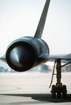 Detailed image of the Lockheed Blackbird High-Altitude, High-Speed Reconnaissance Aircraft Auto Girls, F22 Raptor, Girly Car, Jet Engine, Jet Plane, Military Aircraft, Air Force, Fighter Jets, Tumblr