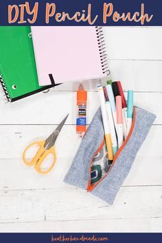 Easy DIY Pencil Pouch • Heather Handmade Craft Tutorials, Sewing Tutorials, Tutorial Sewing, Bag Tutorials, Craft Projects, Craft Ideas, Sewing Blogs, Sewing Hacks, Sewing Tips