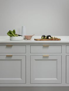 The New Deco kitchen is a new addition to our luxury kitchen collection. It draws inspiration from Art Deco designs. See more of the stunning New Deco kitchen. Custom Kitchens, Bespoke Kitchens, Geometric Lines, Kitchen Collection, Art Deco Design, Cladding, Kitchen Ideas, Clever, Marble