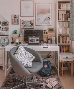 living room room sets room wallpaper to decorate small living room living room set room wall decals to decorate small living room living room decor Study Room Decor, Teen Room Decor, Bedroom Decor, Teen Study Room, Cute Room Decor, Study Rooms, Ikea Interior, Interior Design, Aesthetic Room Decor