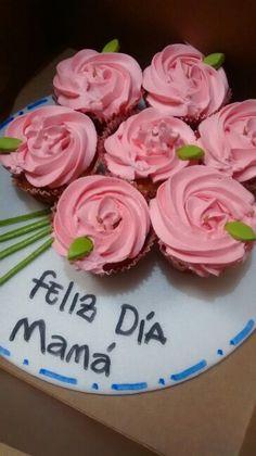Cupcakes día de la madre en forma de flor