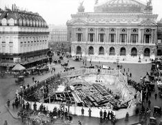 Paris in the Belle Epoque, what a fabulous time and place to have lived, right? Well, not so much. If you were living in Paris at the dawn of the centur Paris Images, Paris Pictures, Paris Photos, Vintage Pictures, Old Paris, Vintage Paris, Paris France, Paris Buildings, Metro Paris