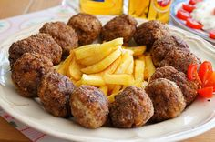 Kitchen Stories: Meatballs with Ouzo Gf Recipes, Cookbook Recipes, Greek Recipes, Cooking Recipes, Greek Olives, Greek Cooking, Kitchen Stories, Home Food, Party Snacks