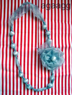 easy to make necklace!