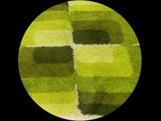 Geometric shag rug, era 1970, which tells me that life does not turn out as expected
