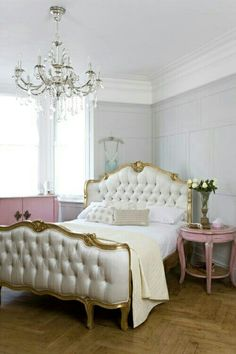 beautiful bedroom, love the mix of styles and colors