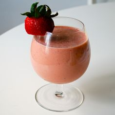 Whey Protein Smoothies, Organic Whey Protein, Coconut Peanut Butter, Vanilla, Strawberry, Tableware, Ethnic Recipes, Health, Blog