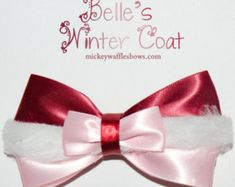 A medium (approx. 4 inches) sized hair bow inspired by Disneys Beauty and the Beasts Belle in her winter coat from the Something There scene. Snow White Hair, White Hair Bows, Disney Hair Bows, Diy Disney Ears, Diy Ribbon, Fabric Ribbon, Big Bows, Cute Bows, Periwinkle Hair