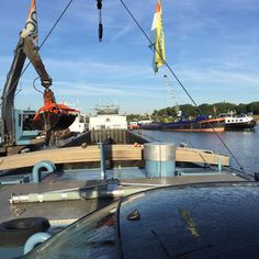 """#werken #bagger #zand #beunschip #binnenvaart #Tholen #jachthaven #fotografie #iphone6plus"""