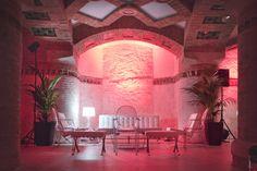 Alquiler de mobiliario para eventos. Evento en edificio modernista | Crimons