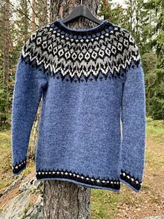 Knitting For Kids, Baby Knitting Patterns, Knitting Designs, Knitting Socks, Knitted Hats, Icelandic Sweaters, Nordic Sweater, Ravelry, Womens Scarves