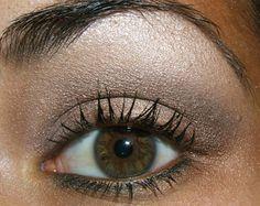Tutorial – Smokey Brown Eye with Constructivist Paint Pot as a Base