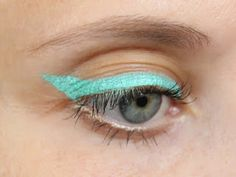 Vera BEL: Крандаш для глаз Растительный цвет в бирюзовом оттенке от Yves Rocher…
