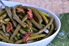 My Nana's Famous Green Bean recipe! Made with just a handful of ingredients including bacon, this easy green bean recipe make a delicious addition to any meal! One of the most requested recipes from my family - year-round!// Mom On Timeout Dinner Side Dishes, Healthy Side Dishes, Vegetable Sides, Vegetable Side Dishes, Side Dishes Easy, Side Dish Recipes, Vegetable Recipes, Easy Green Bean Recipes, Green Beans With Bacon