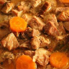 Karjalanpaisti - Kotikokki.net - reseptit Finnish Cuisine, Pot Roast, Food And Drink, Beef, Chicken, Ethnic Recipes, Kitchen, Foods, Carne Asada