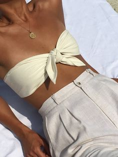 Na Nin Anita Raw Silk Bandeau / Available in Multiple Colors – Women's Fashion Looks Chic, Looks Style, Look Fashion, Fashion Outfits, Womens Fashion, Fashion Trends, Fashion Fall, Easy Style, Outfit Essentials
