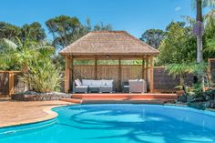 Synreed Thatch Kitset Gazebo - perfect shade for your poolside, the natural way!