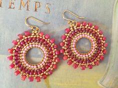 Abalorios pequeños pendientes - bayas rosa - multicolor semilla grano aretes de