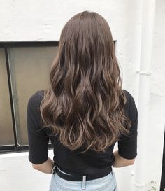Asian Hair Wavy, Asian Perm, Korean Perm, Korean Hair Color, Brown Hair Korean, Professional Hair Salon, Colored Curly Hair, Hair Arrange, Permed Hairstyles