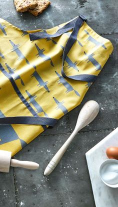 Adding colour and charm to your kitchen, be ready for spring with the adorable Mr Fox Yellow textile collection. Whether you are baking, cooking a feast or tidying your home stay stylish and stay Scion. Shop our Scion Living collection here at Dexam.
