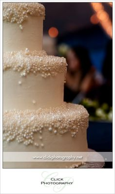 mini pearls wedding cake