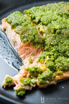 Pesto Baked Salmon - Easy & Healthy Dinner For Anyone On A Low-carb Diet Healthy Salmon Recipes, Seafood Recipes, Shellfish Recipes, Paleo Recipes, Gourmet Recipes, Yummy Recipes, Healthy Food, Healthy Eating, Pesto Salmon Baked