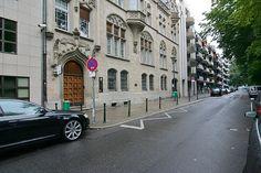 Inselstrasse Düsseldorf, hihi, da muss man auch dazu schreiben was das ist: Das STNDESAMT.