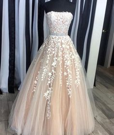 Gorgeous A-Line Strapless Champagne Tulle Long Prom/Evening Dress
