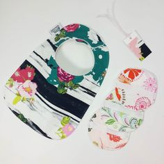 25% off in the shop with coupon code INSTA2000 TILL TOMORROW MORNING.  Had fun with some girly prints today. Baby bibs toddler bibs washcloths baby wipes and gift tags. Pretty pretty.  #baby #babybib #babybibs #washcloths #gifttags #babywipes #flowers #floral #girlbibs #babygirl#toddlerbib #feedingbib #droolbib #babygift #babystyle #instababy #instsamom #igbaby #babyshowergift #newborn #newborngift #newbaby #newbabygift #pregnancy #expecting #smallbusiness #handmade #etsy #etsyshop by…