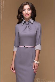 Платье-футляр цвета мокко с имитацией галстука