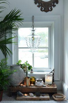 Nach Feng Shui Wohnzimmer einrichten -kronleuchter-couch-pflanzen ...