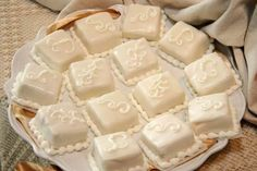Miniature pieces of wedding cake are served as petit fours at the reception. Chocolate, Cake Recipes, Wedding Cakes, Sweets, Cheese, Wedding Ideas, Miniature, Google, Image