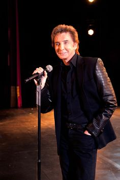 Barry Manilow: How I want to see him tour! This is a possibility for 2014!