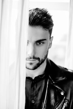 How to get away with Murder . Jack Falahee as Connor Walsh Jack Falahee, Imperfection Is Beauty, How To Get Away, Hairy Chest, Hair And Beard Styles, Male Face, Celebs, Celebrities, Men Looks