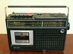 My dear dad bought me my own one when I was 15 🤗 Radios, My Childhood Memories, Sweet Memories, Hi Fi System, Retro Images, Old Tools, Old Tv, The Good Old Days, Growing Up