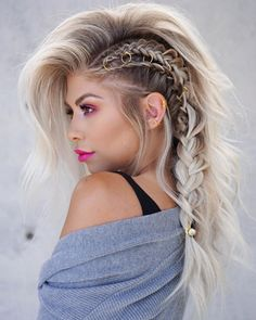 40 Most Beautiful and Easy Hairstyles for Long Curly Hair – Fashion. In my fanta… 40 Most Beautiful and Easy Hairstyles for Long Curly Hair – Fashion. In my fantasy life, I have time to play with my hair! Wedding Hairstyles For Long Hair, Pretty Hairstyles, Easy Hairstyles, Hairstyles Videos, Everyday Hairstyles, Long Braided Hairstyles, Faux Hawk Hairstyles, Hair Styles Everyday, Braids For Wedding